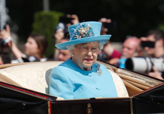 НОВО ИСТОРИСКО ПОГЛАВЈЕ: Во кралското семејство се организира првата геј венчавка
