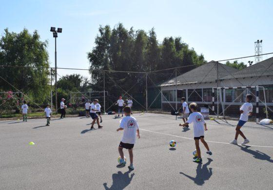 "Отворена манифестацијата ""Забавни фудбалски школи Куманово"""
