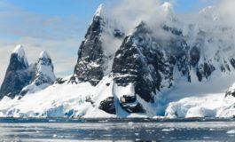 Се топи најстариот мраз на Арктикот, последиците би можеле да бидат катастрофални (ФОТО)
