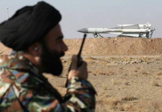 Иран се закани со ракетни напади врз Саудиска Арабија и Емирати