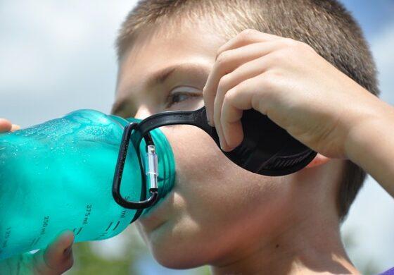 """Зошто не треба да се пие вода која """"преноќувала""""?"""