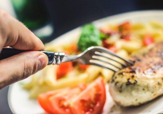 Доцната вечера може негативно да влијае на срцето, особено кај жените