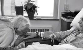 Биле во брак 68 години: Починале еден крај друг, се бакнале неколку моменти пред смртта (ВИДЕО)