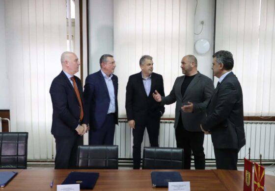 """""""Куманово план"""" потпиша договори за соработка со ИЗИИС, Архитектонскиот и Градежниот факултет"""