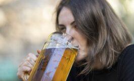 Дали навистина е потребно дневно да пиеме 8 чаши вода, или може... пиво?