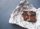 Чоколадото може да го реши проблемот со несоницата