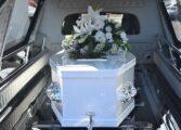 Украл погребално возило со починат човек, па се возел низ градот