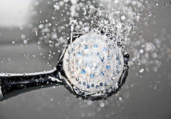 Што се случува со вашето тело кога не се туширате редовно?