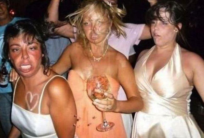 painfully-awkward-nightclub-06