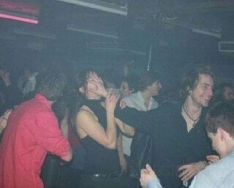 painfully-awkward-nightclub-08